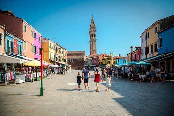 Tour a Burano - Tour in motonave a Burano - Tour in barca a Burano - escursione isola di Burano