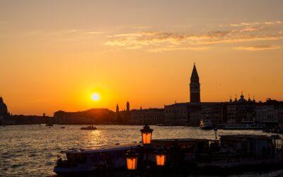 Spritz-party! Aperitivo in barca al tramonto